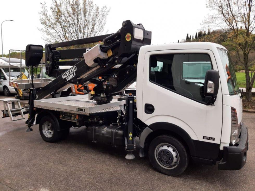 Plataforma sobre camión 22Mt Isoli PNT 230