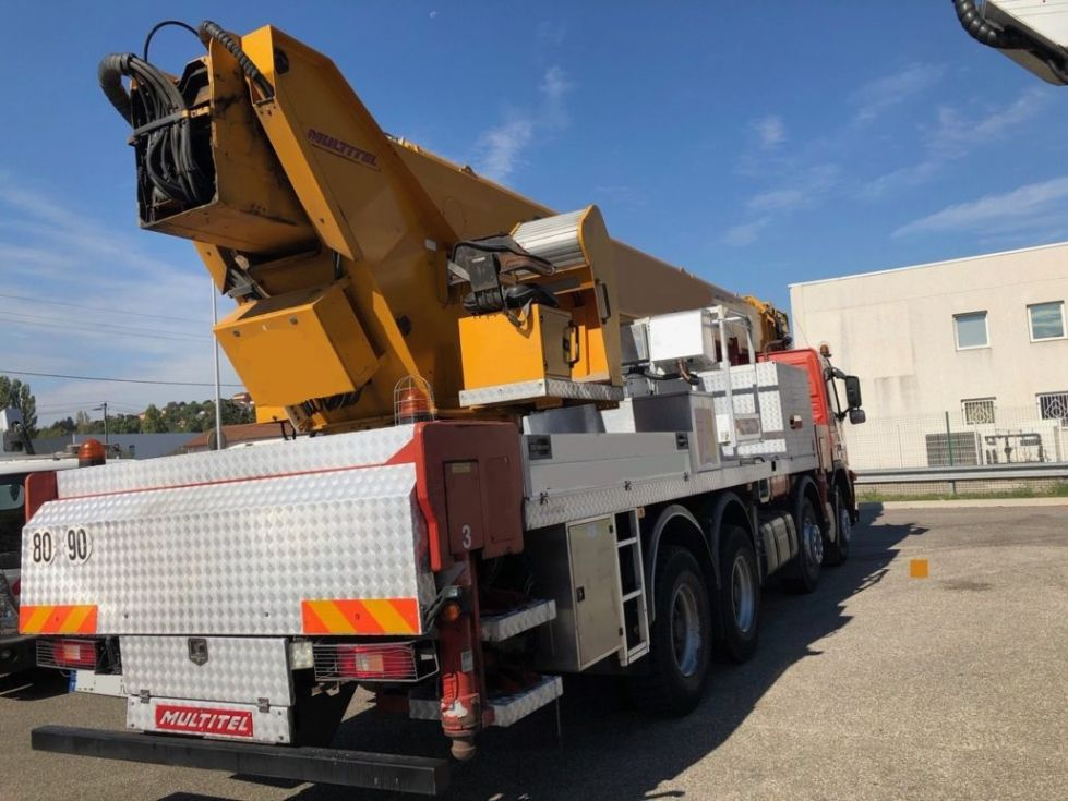 Plataforma sobre camión 52Mt Multitel J352.600 TA