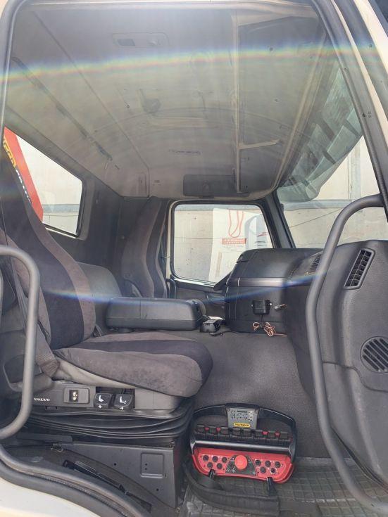 Camión grúa Volvo FM 380 PALFINGER 72002 + jib pj 115