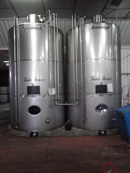 Depositos isotermos de 15.000, 12.000 y 6.000 L acero inox