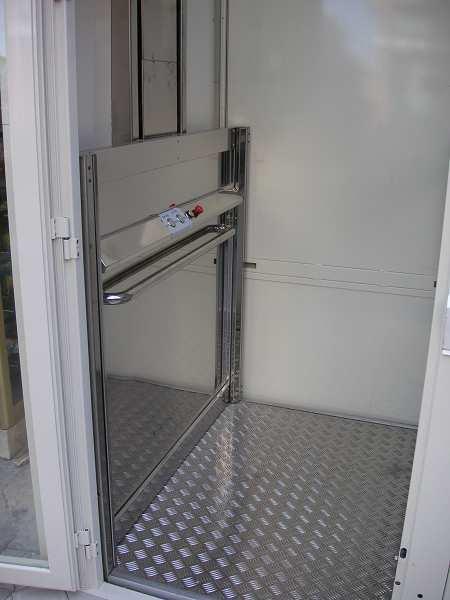 elevadores y salva escaleras