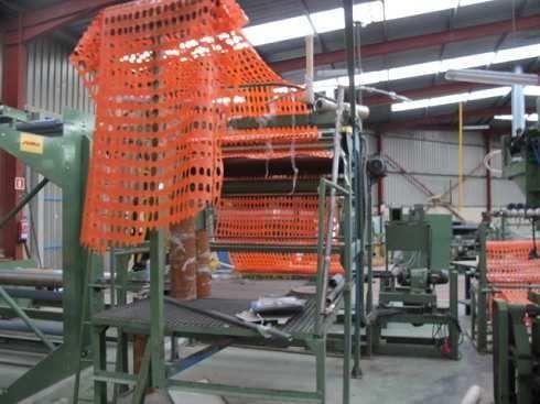 GT-1629 Linea fabricación mallas plásticas, laminas, protectores forestales,
