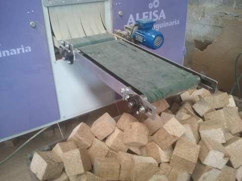 Maquina para fabricacion de tacos aglomerados para palets