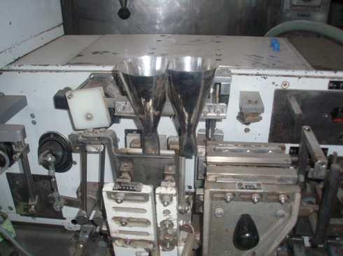Maquina de sobres para solidos Volpak