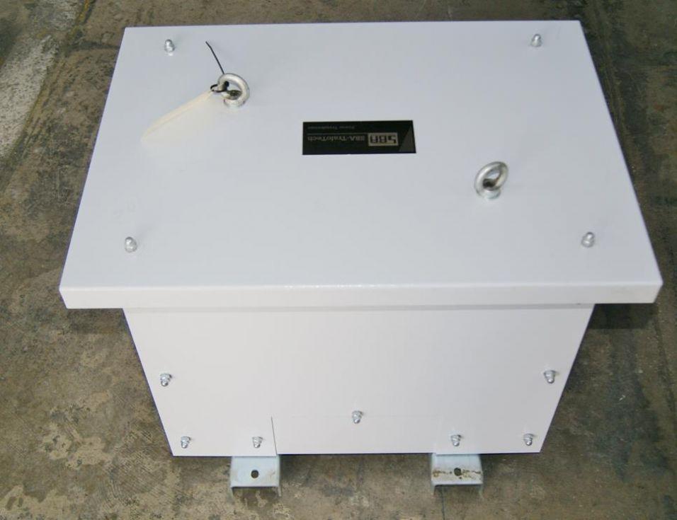 Transformador. 400-200V. 100A