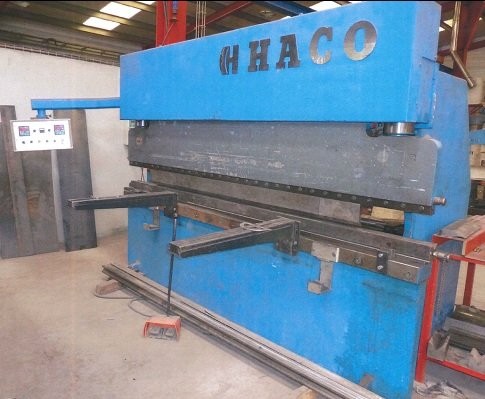 Plegadora hidráulica HACO de 3.000x135t CNC 2 ejes