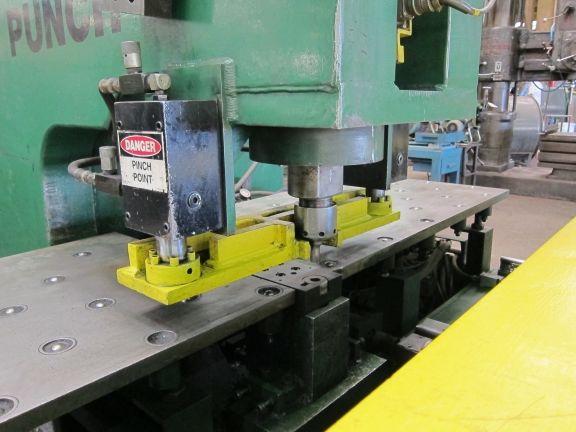 Punzonadora de un Cabezal CNC