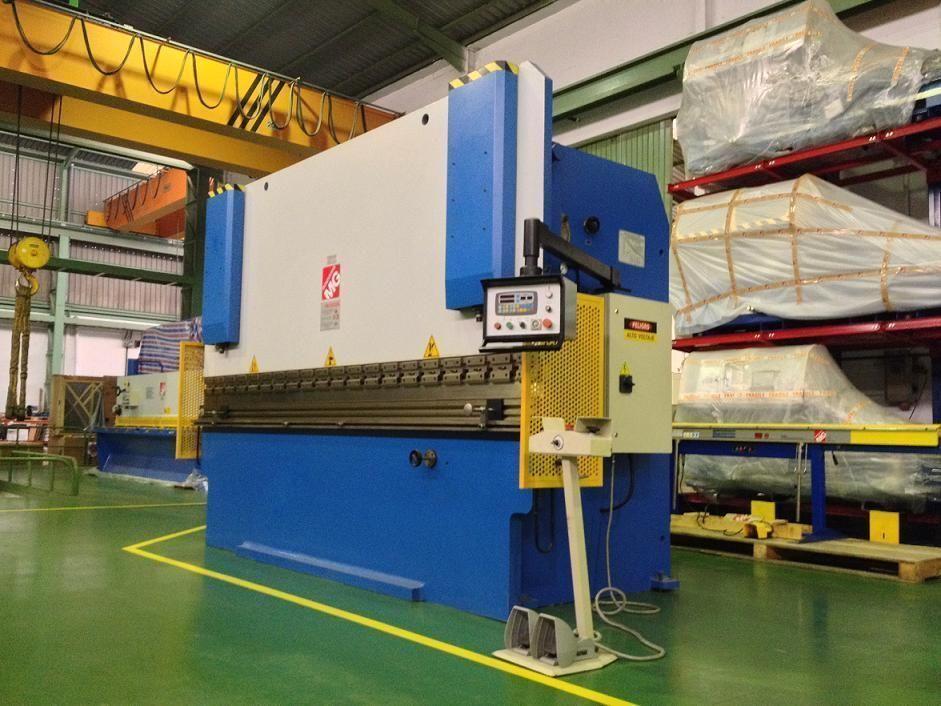 Plegadora de chapa con CNC a 2 Ejes, (X, Y)