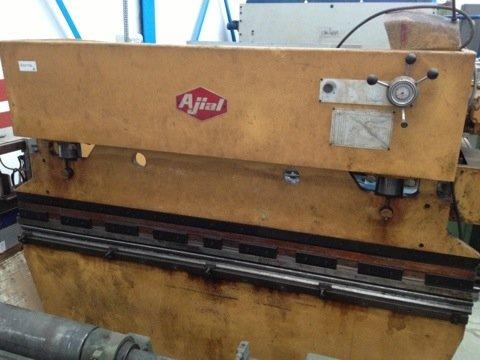 Plegadora Ajial de 2500x65t