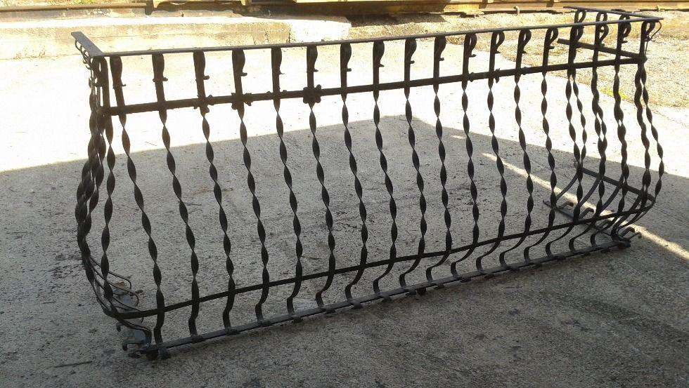 Balconada de forja de l'any 1800