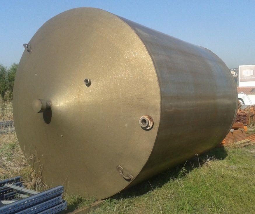 Depósito de acero inoxidable de 24.000 l.