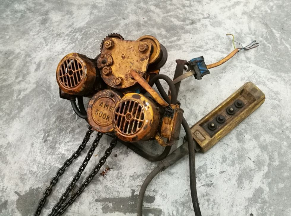 - Polipasto eléctricos AME y FENWICK