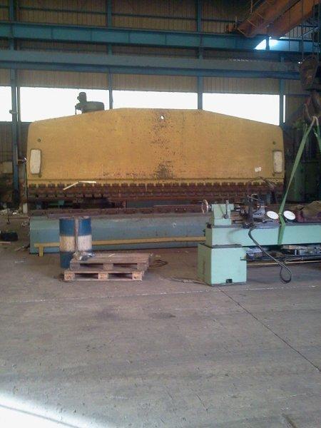 Plegadora de compensación hidráulica Mebusa de 6000x400t