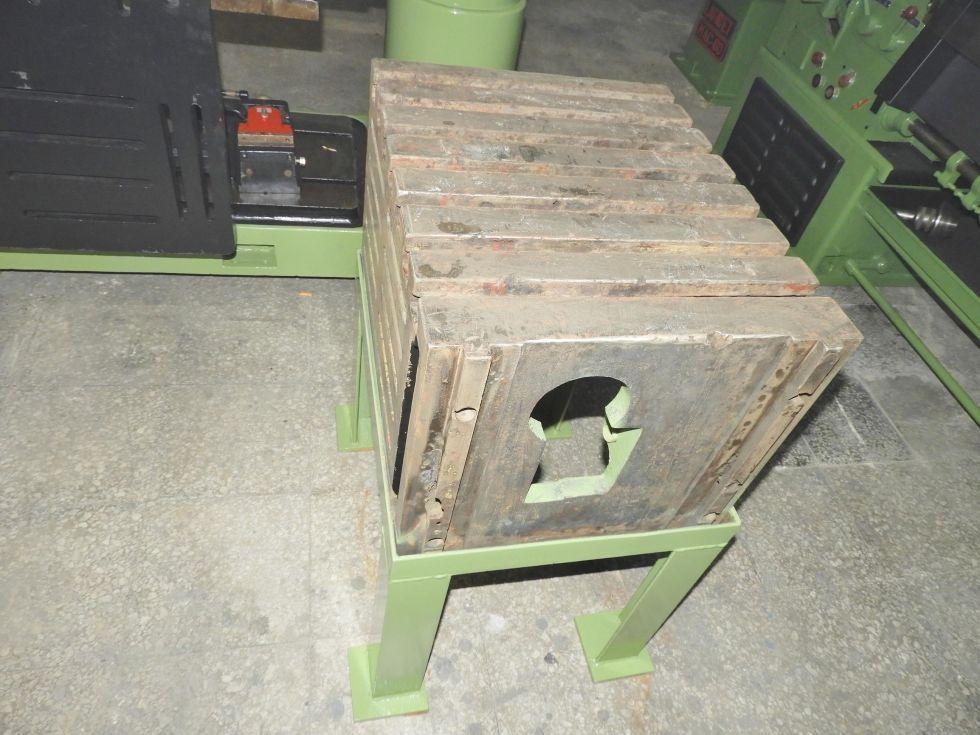 Taladro radial con avance automático y tope de profundidad