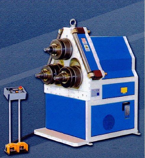 Curvadora hidráulica de perfiles y tubos Ferry APK-81 completa con mucho utillaje especial para tubo