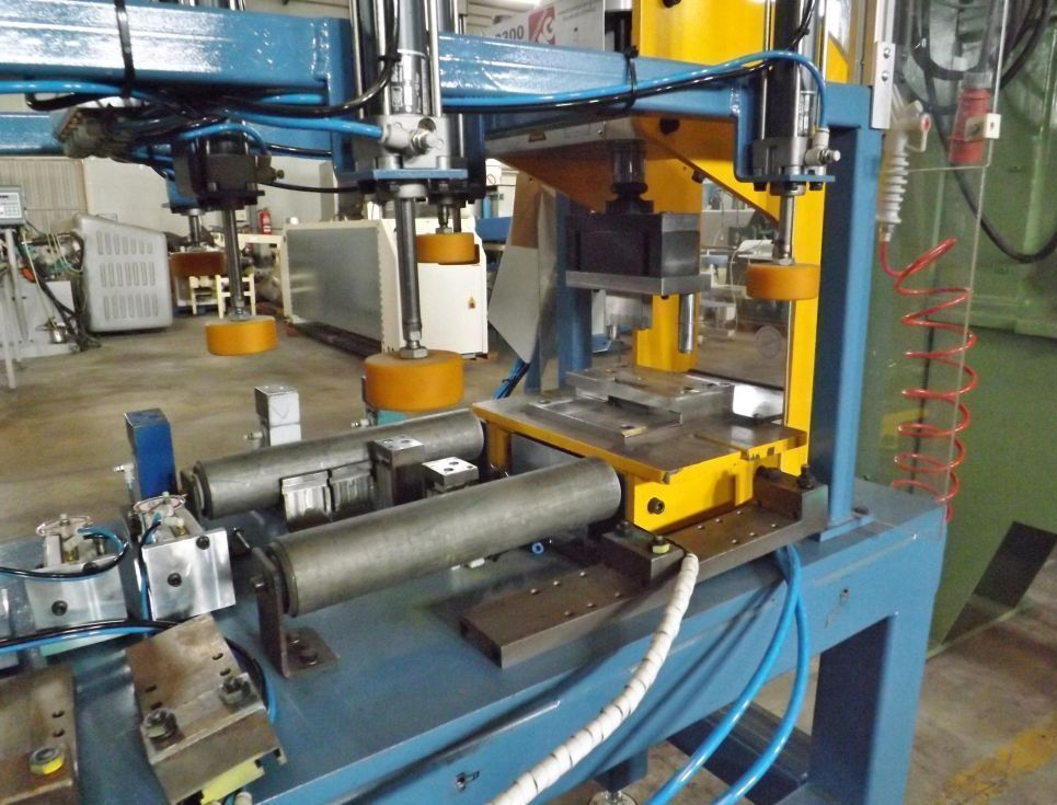 Prensa neumática para aluminio MG