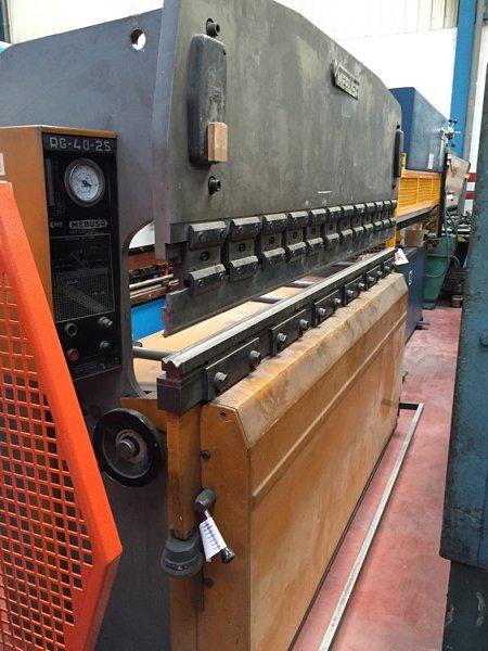 Plegadora hidráulica Mebusa de 2.500x40t
