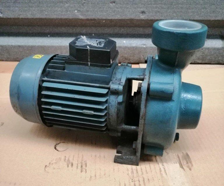 Bomba centrifuga Damova