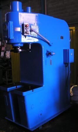 Prensa hidraulica de producción