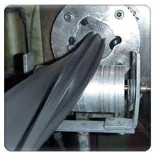 Extrusión y Fabricación de Aluminio