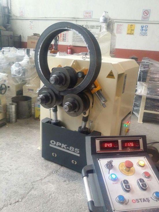 Curvadora de 3 rodillos hidraulica
