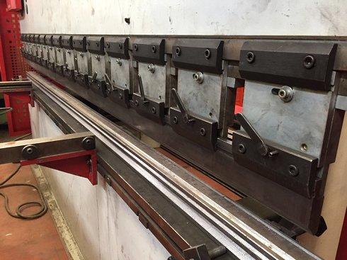 Plegadora hidráulica Baykal/Astrida de 3000x90t