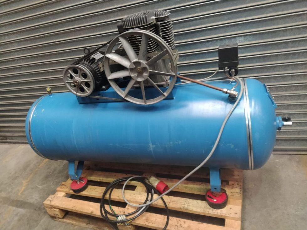 Compresor de pistón LEIGER.
