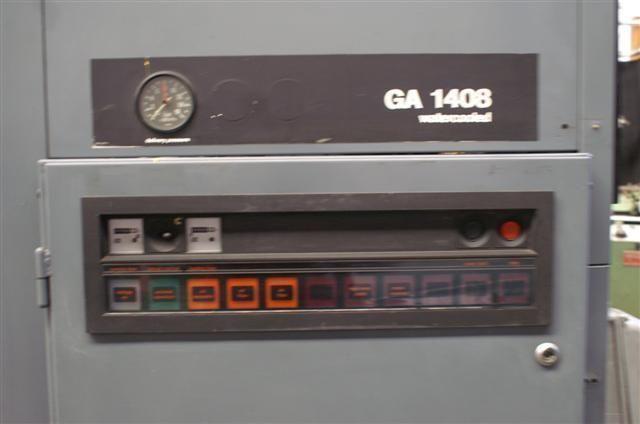 Compresor estacionario rotativo de tornillo con inyección de aceite.