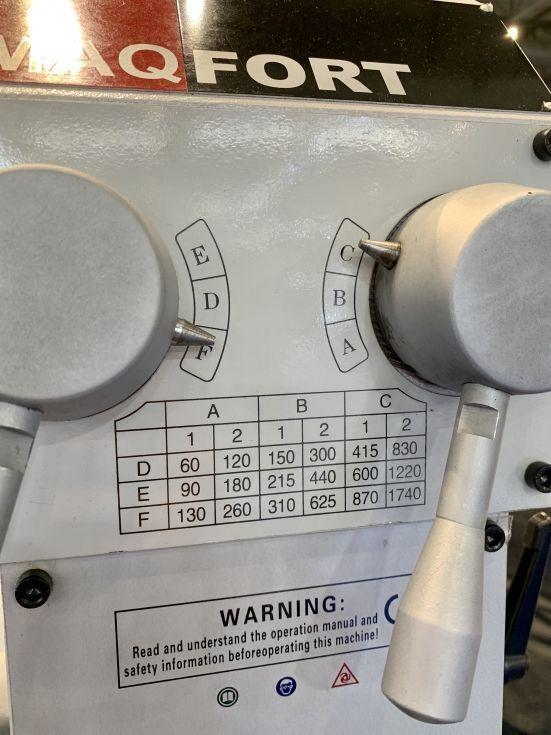 Taladro de columna con avance automático