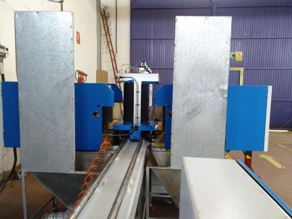 Replantilladora doble de 2-cabezales // Largo y ancho de trabajo hasta 2500 mm./L // 500 mm./A