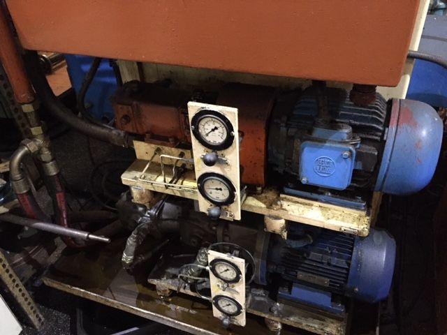 Bruñidora GEHRING con regenerador de aceite