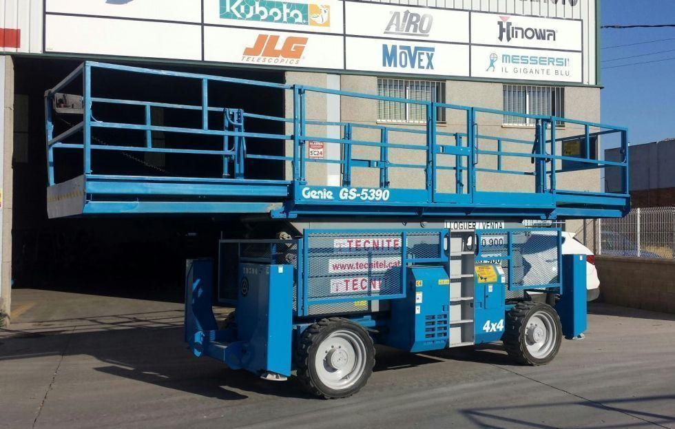Tijeras autopropulsadas todoterreno diesel 18 mts