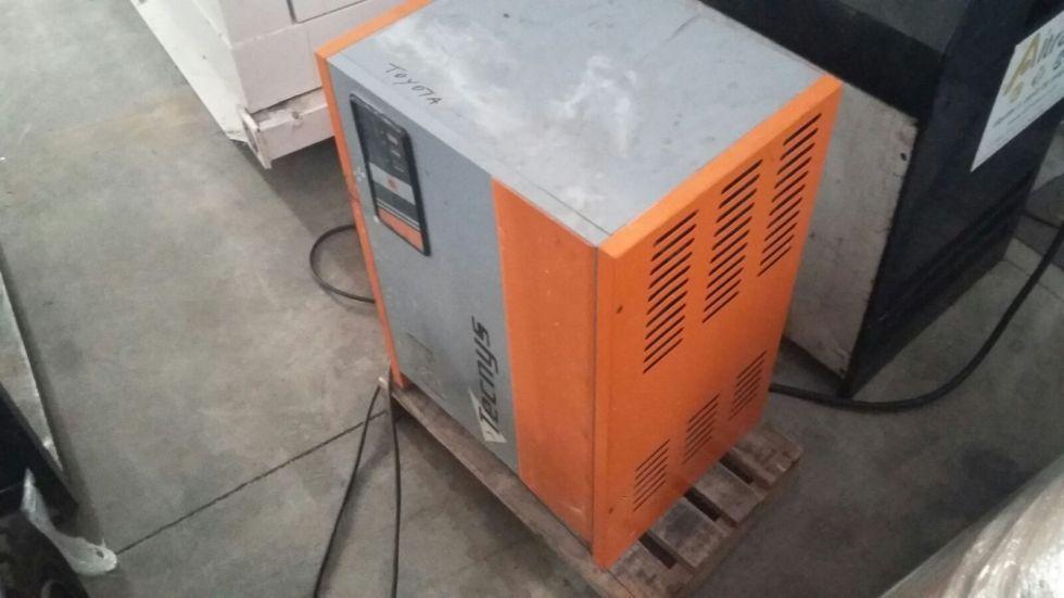 CARRETILLA ELEVADORA ELECTRICA 1.500kg