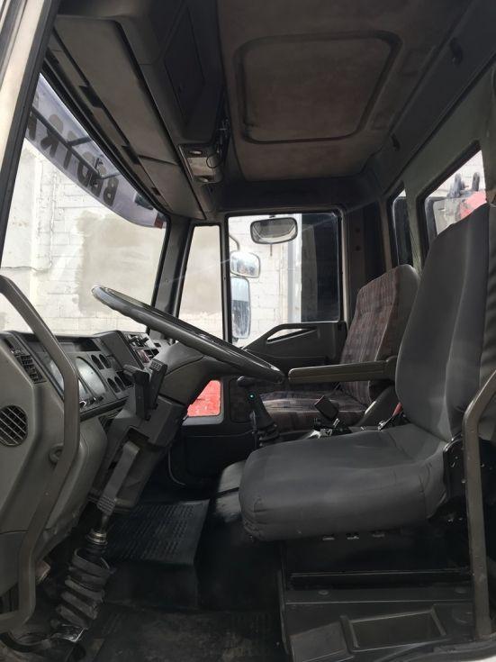 Camión grúa basculante IVECO EUROCARGO ML120E15 grua FASSI F85.23