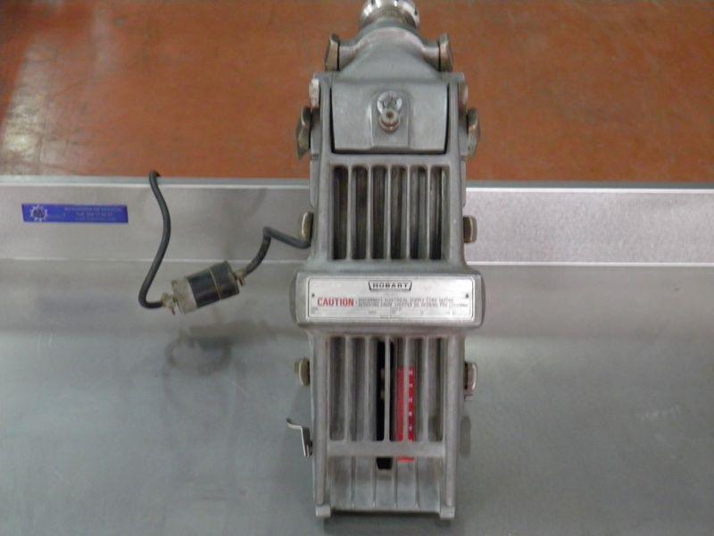 Maquina para bistec ruso