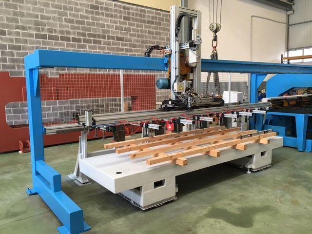 CNC con cizalla y carga y descarga automática