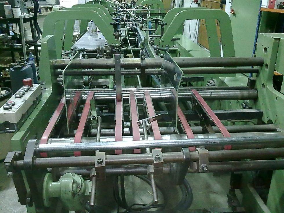 Plegadora-Engomadora lineal