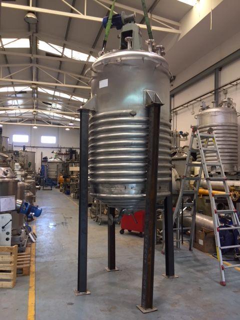 Reactor aguilar y salas 2000 litros acero inoxidable con agitacion y media caña