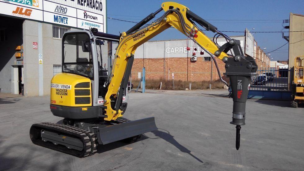 Excavadora compacta giratoria 2.800 kg