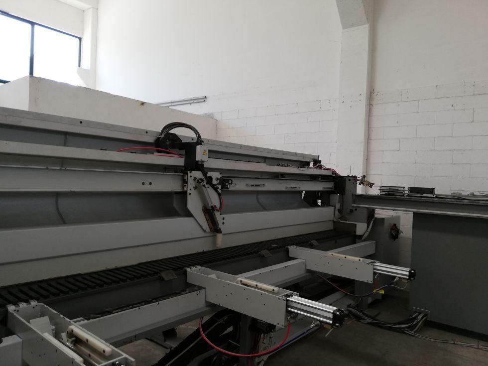 Sezionatrice Usata Selco WNT 600 con piattaforma elevatrice