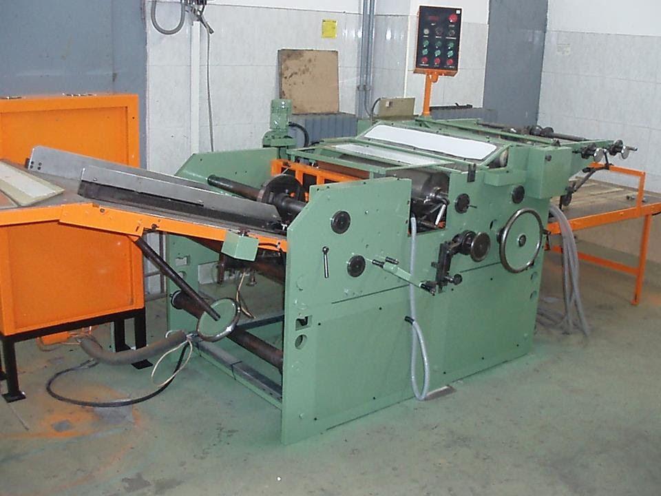 Máquina para colocar ventanillas