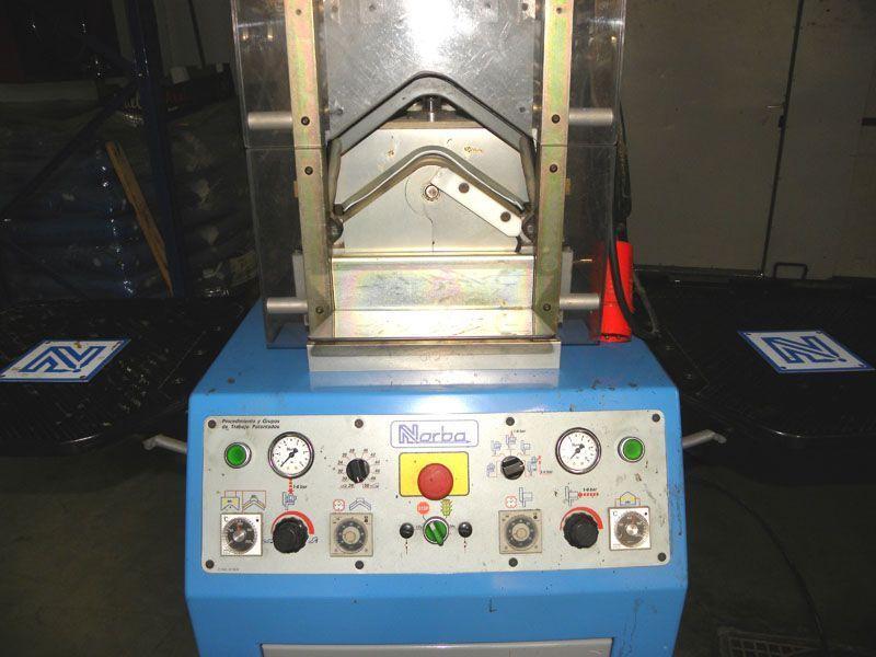 Maquina de moldear palas