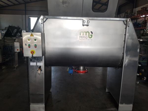 Mezcladora de bandas de 1.000 litros con pulverizador de líquidos en acero inoxidable