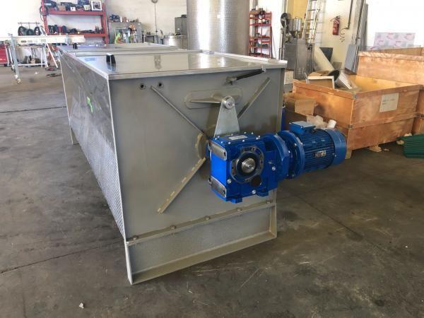 Mezcladora horizontal de palas en acero inoxidable con capacidad de 3.000 litros