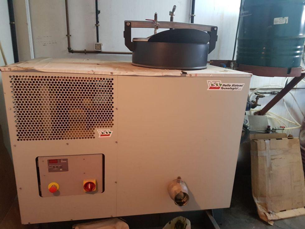 Destiladora IST122 2011