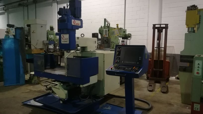 Fresadora torreta CNC