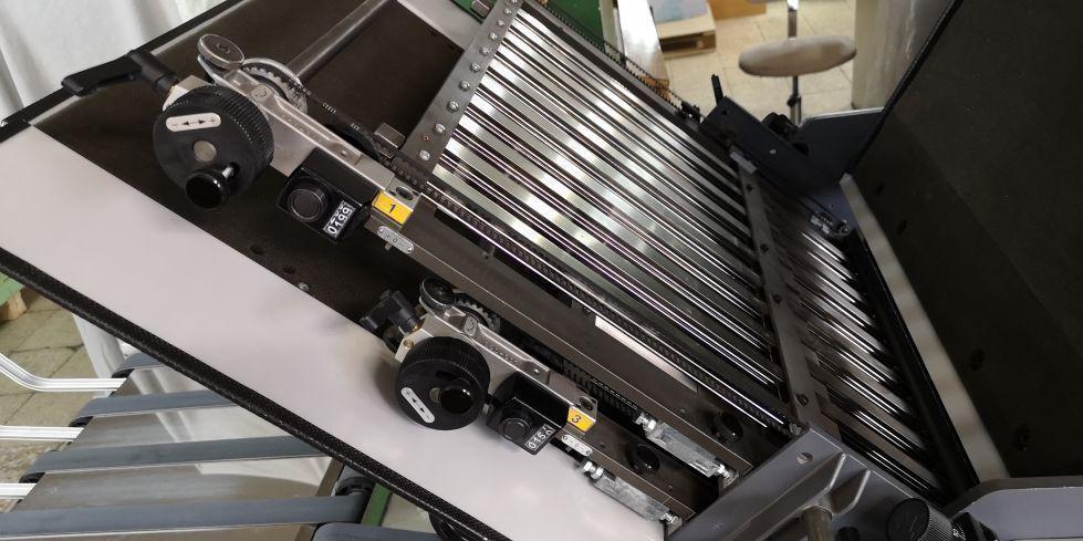 Plegadora STAHL folder proline 52.4/SAK 56 + HENDIDO Y PERFORADO