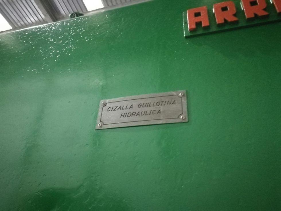 Cizalla guillotina hidraulica