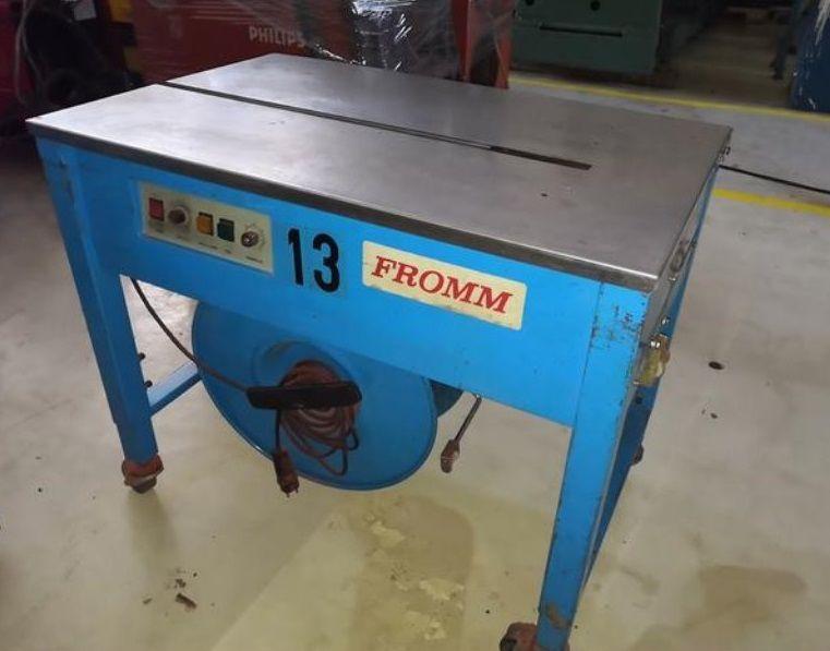 Mesa flejadora semiautomática