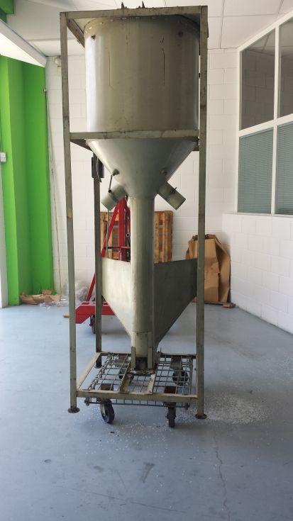 Silo mezclador de 350 L.